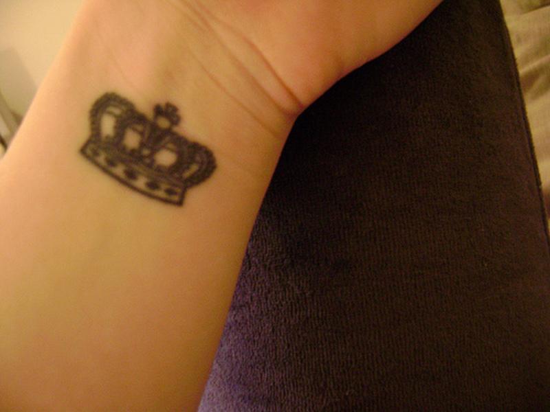 2b243407f786c Too small crown tattoo on wrist - Tattoos Book - 65.000 Tattoos Designs