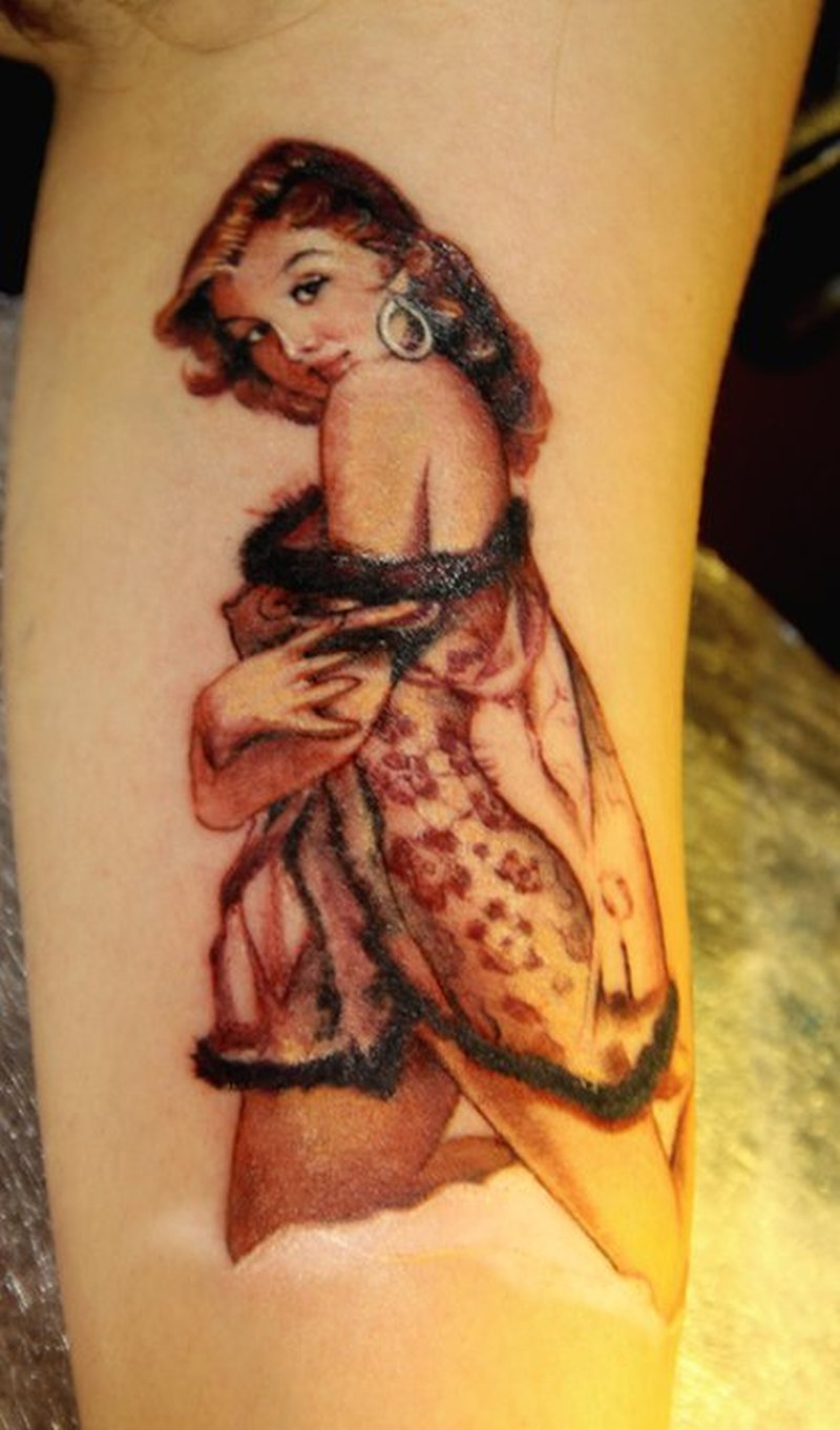 Vintage pin up girl tattoo