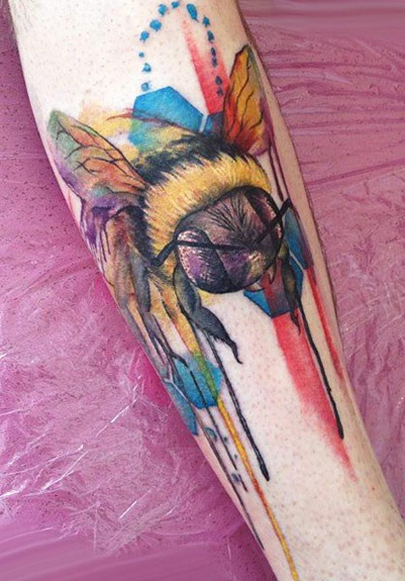 Watercolor nice bee by Lianne Moule tattoo