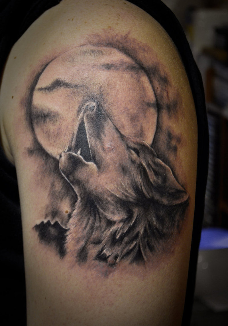 ce193c568e9dc Wolf and moon tattoo - Tattoos Book - 65.000 Tattoos Designs