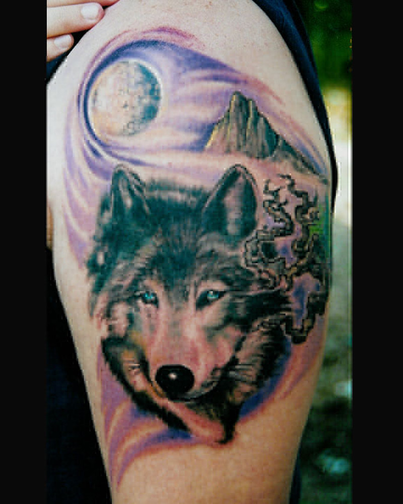 Wolf tattoo design for biceps