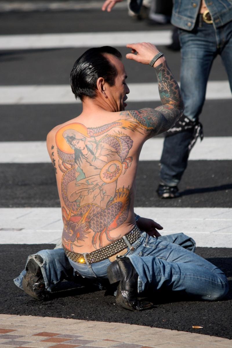 yakuza full back tattoo design tattoos book tattoos designs. Black Bedroom Furniture Sets. Home Design Ideas