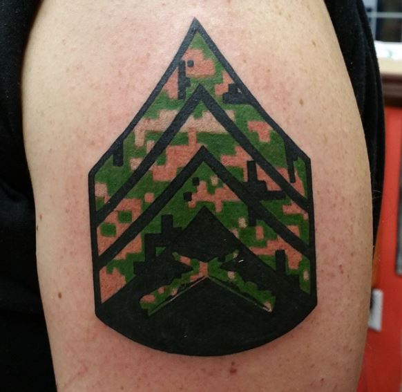 Symbolic Military Tattoo Inked with Colors of US Marine Corps Uniforms