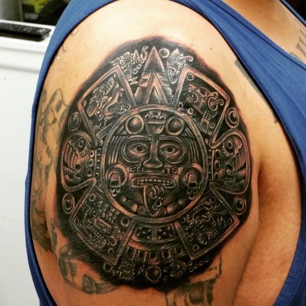 Circular Image of Very Detailed Aztec God