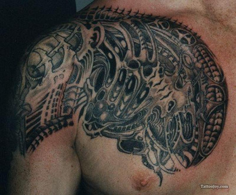 Biomechanical shoulder tattoo design