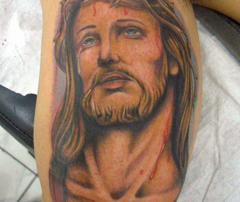 Bleeding jesus portrait tattoo design