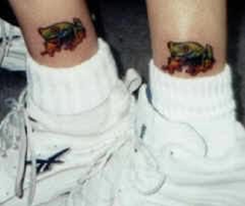 Frog tattoo designs on legs