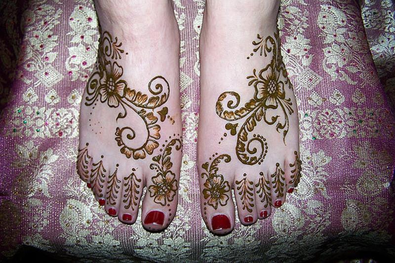 Henna tattoo design for women on feet