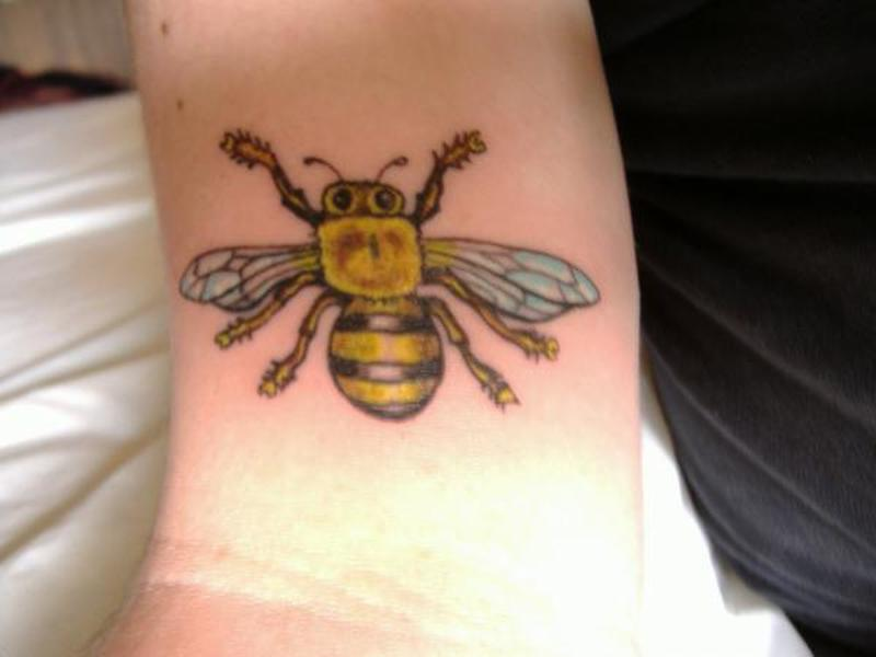 Honey bee tattoo pictures