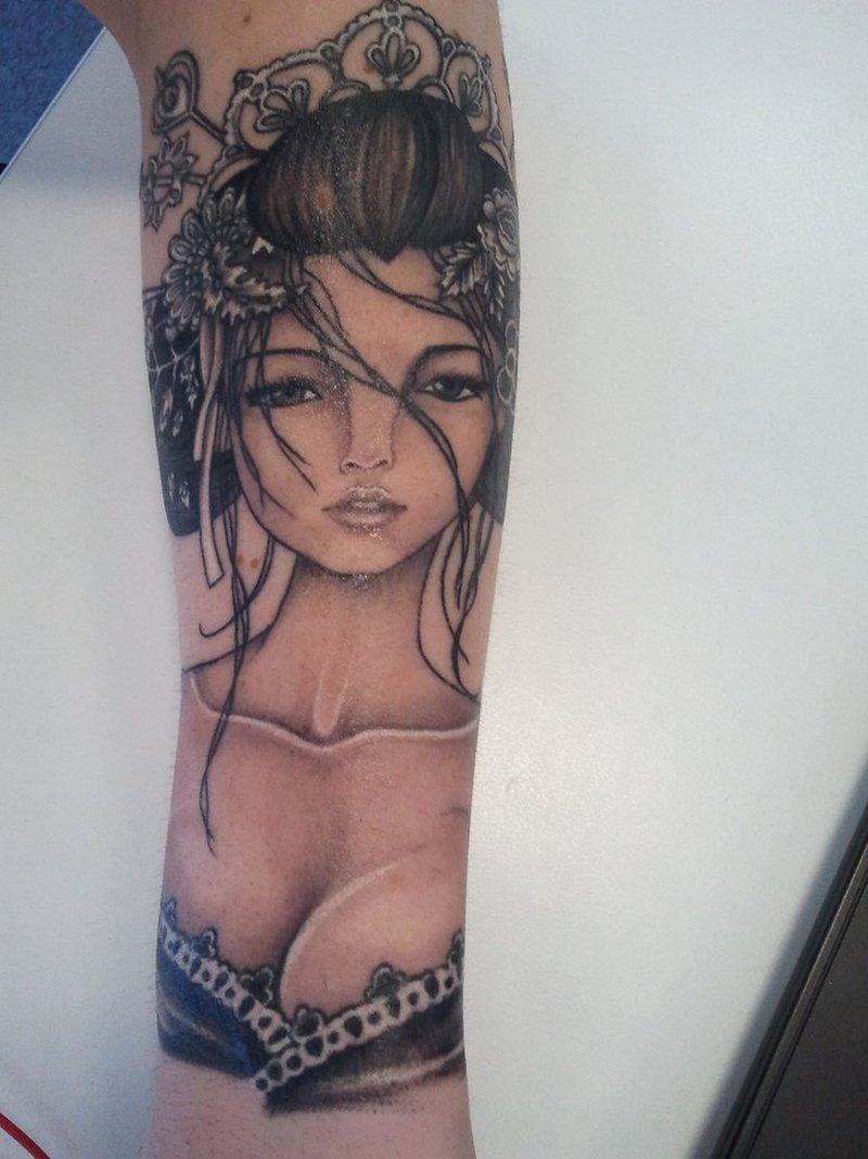 Sexy geisha tattoo design