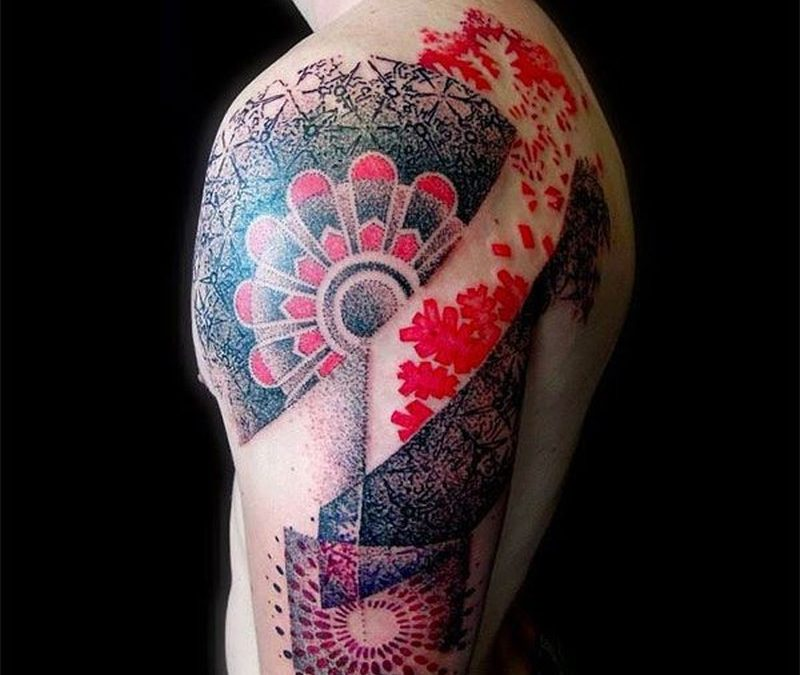 Wonderful black red patterns tattoo on shoulder
